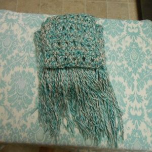 Excellent Condition American Eagle Fringe Scarf!